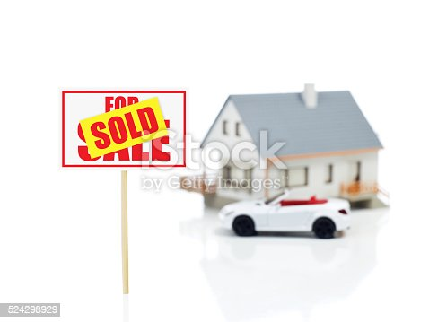 istock Sold sign 524298929