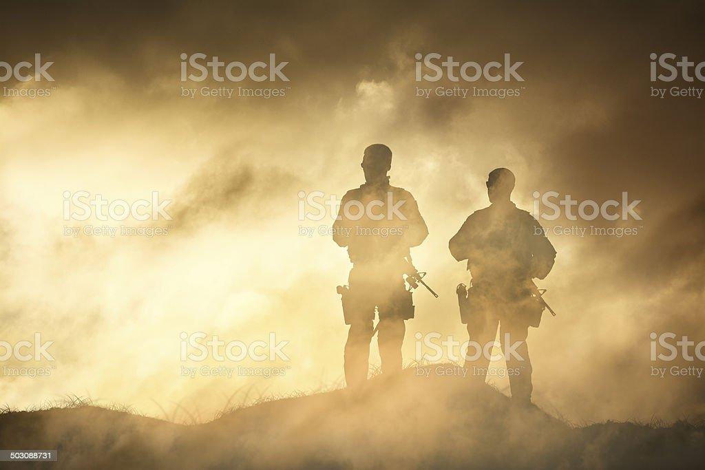 Soldat dans un brouillard de la Guerre - Photo de Adulte libre de droits
