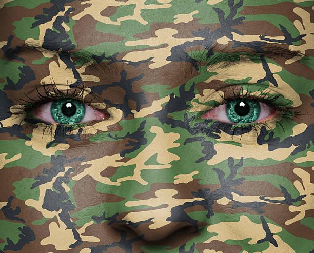 soldaten - flecktarn stock-fotos und bilder