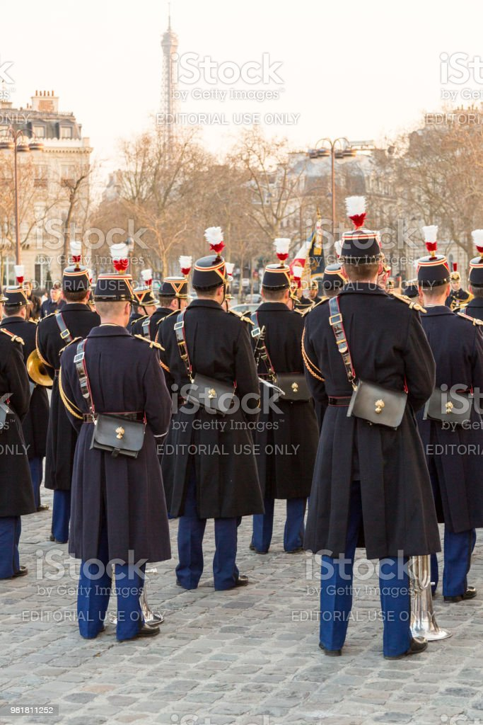 Arc de Triomphe askerlere stok fotoğrafı