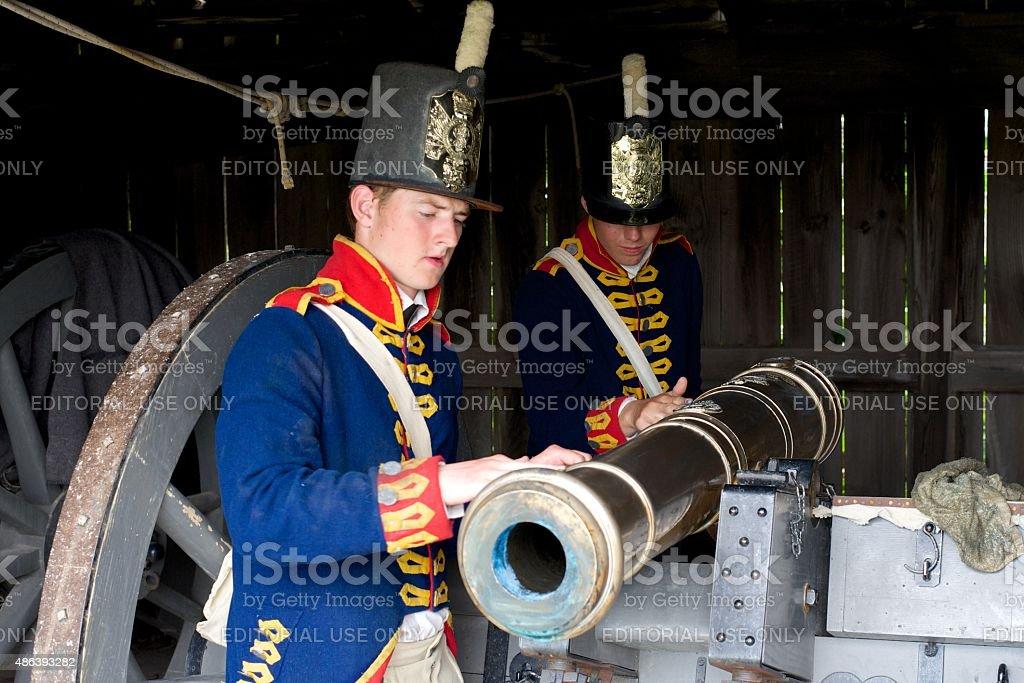 Soldaten Reinigung 19. Jahrhundert canon-Fort George Park – Foto