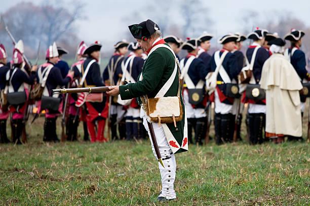 soldaten im historischen regimentals - imperialismus stock-fotos und bilder