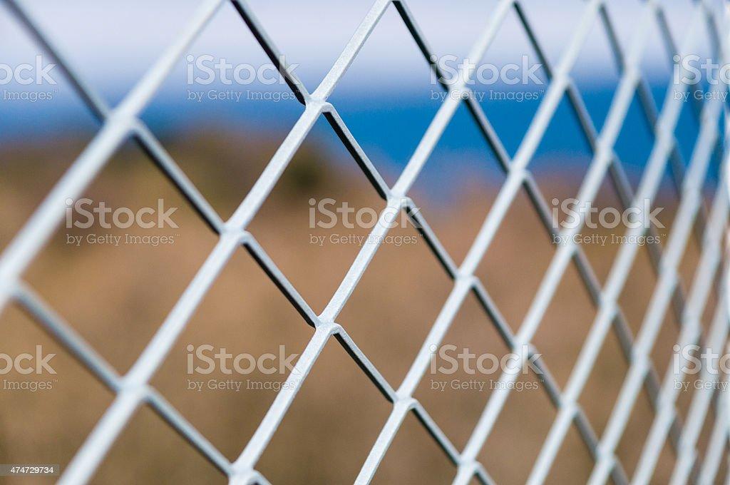 Einfarbige metallic-mesh-Zaun – Foto