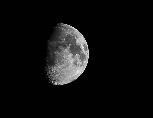 luna solista - luna gibbosa foto e immagini stock