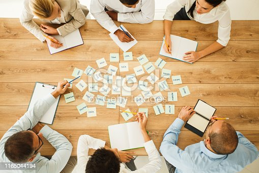 639198068 istock photo Solving business problems on creative way 1165044194