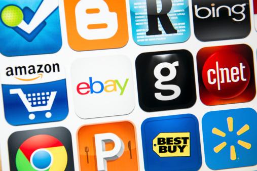 일부 브랜드 로고 클로즈업 Amazon.com에 대한 스톡 사진 및 기타 이미지