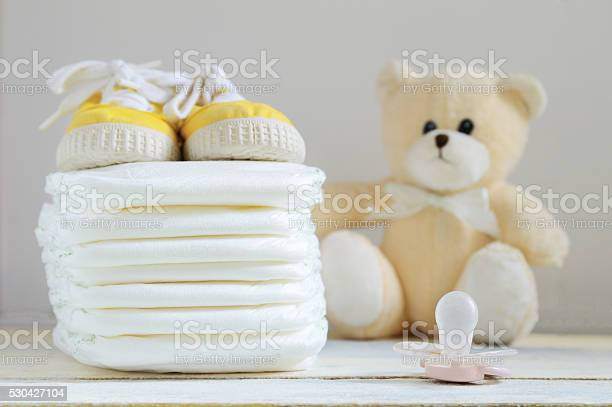 Some nappies on a white wooden table picture id530427104?b=1&k=6&m=530427104&s=612x612&h=qqywpe g3cscceizwu137b k1ehkwpgaxi hqg18nz8=