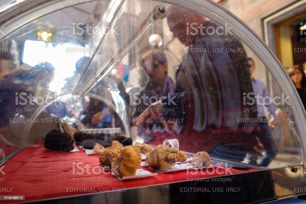 Some Truffle on Sale during Alba Festival stok fotoğrafı