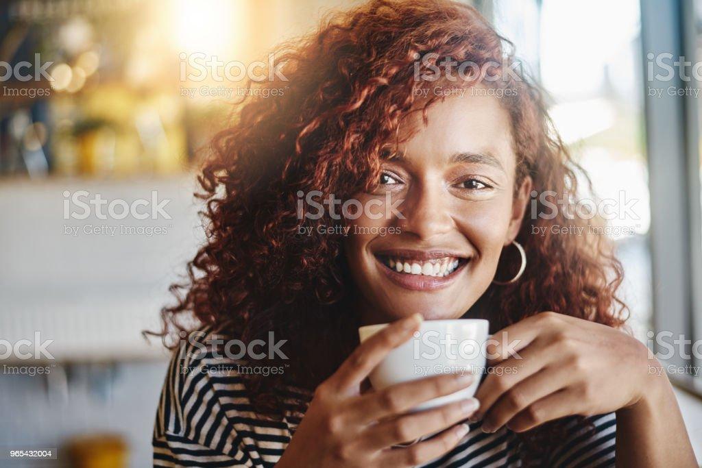 가끔 나는 겨우 커피 없이 인간의 생각 - 로열티 프리 20-29세 스톡 사진