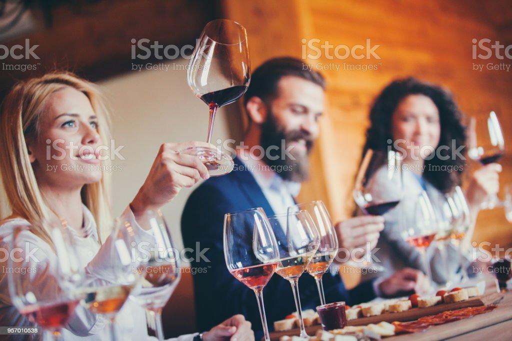 Sommeliers bei Weinwettbewerb – Foto