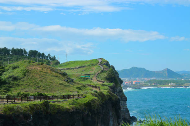 Songaksan Mountain, Coast, 제주 송악산 해안의 풍경이다. seogwipo stock pictures, royalty-free photos & images