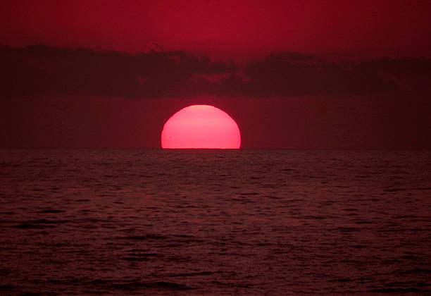 Sonnenuntergang am Meer stock photo