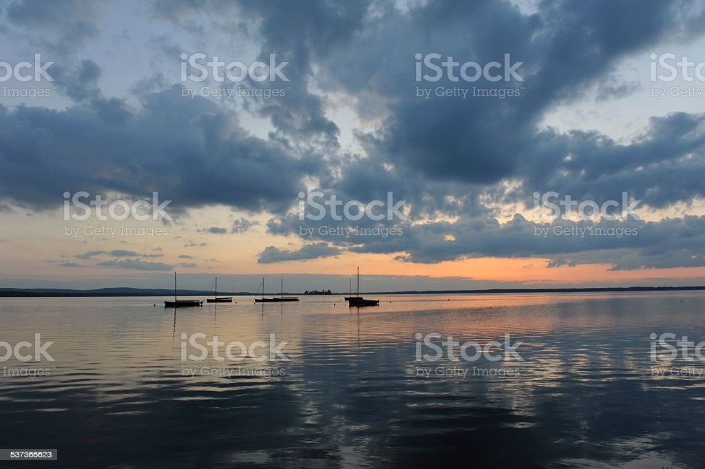 Sonnenuntergang am Steinhude. stock photo