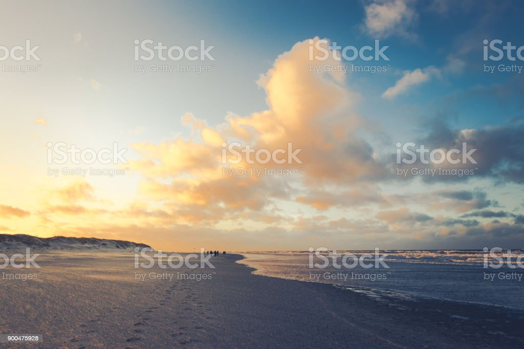 Sonnenuntergang auf der Nordseeinsel Spiekeroog im Winter stock photo