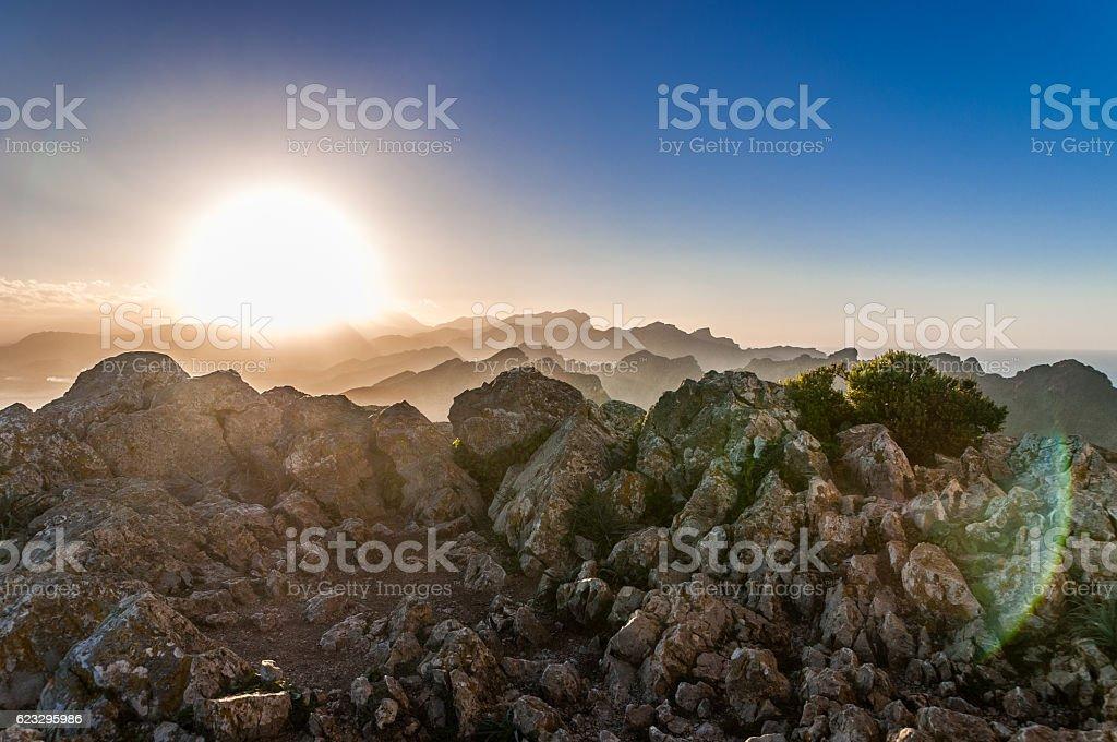 Sonnenuntergang in den Bergen von Mallorca, Cap Formentor stock photo