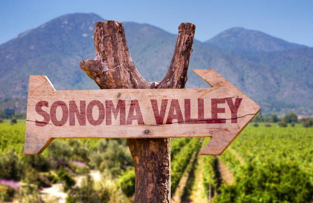 Sonoma Valley direction sign Sonoma Valley winery direction sign sonoma stock pictures, royalty-free photos & images