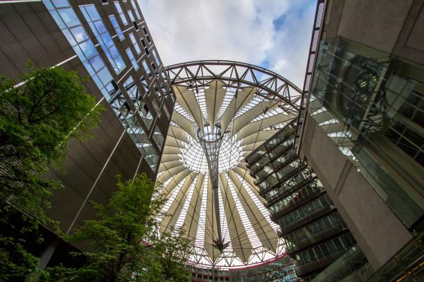 Sony Center am Potsdamer Platz in Berlin, Deutschland – Foto