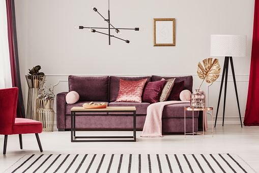 istock Sophisticated living room interior 933471248
