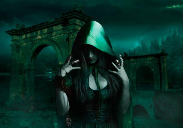 Hechicera en campana verde - foto de stock