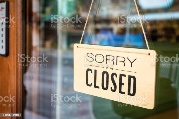 Sorry we are closed sign board hanging on door of cafe picture id1130208883?b=1&k=6&m=1130208883&s=612x612&h=qnn4wsqvdxa8vfpc ziqrd0mqjgpi7 cepcxisyqrva=