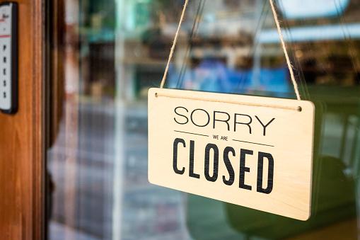 죄송 합니다 우리는 사인 보드 카페의 문을에 걸려 폐쇄 0명에 대한 스톡 사진 및 기타 이미지