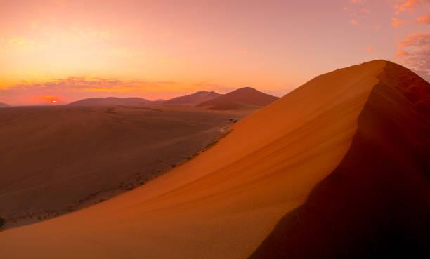 Sossusvlei Sand Dunes, Namib Naukluft National Park Sossusvlei Sand Dunes, Namib Naukluft National Park namib desert stock pictures, royalty-free photos & images
