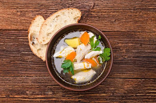 Soupe de poulet et de légumes. - Photo