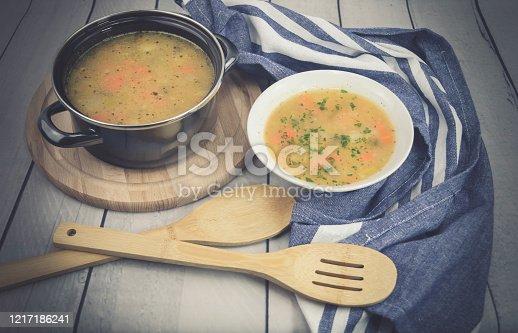 Suppengemüse für eine leckere Kartoffelsuppe