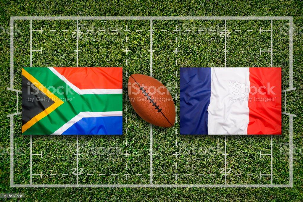 Südafrika vs. Frankreich Flaggen auf Rugby-Feld – Foto