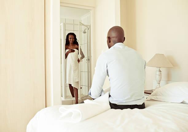 South African Paar zu Hause im privaten Schlafzimmer Motiv – Foto