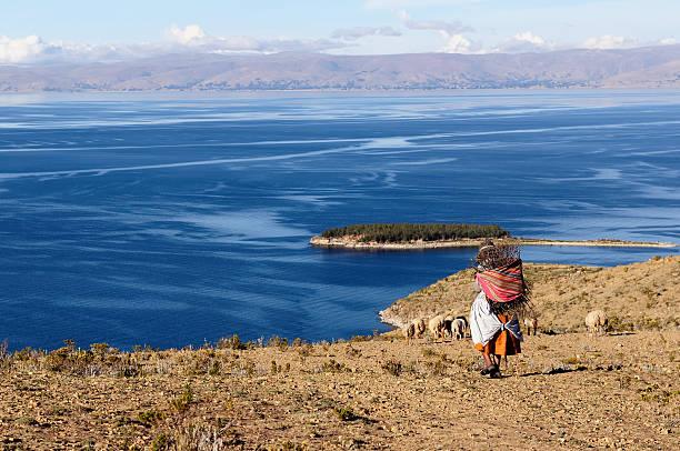 南アメリカ  - チチカカ湖 ストックフォトと画像