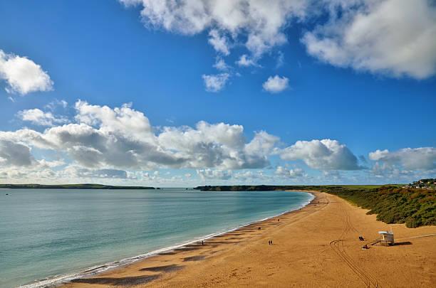 South Beach Tenby mit Caldey island. – Foto