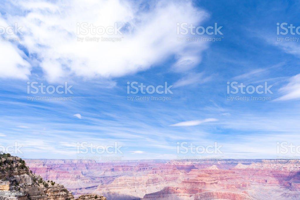 グランドキャニオンの南縁 - アメリカ合衆国のロイヤリティフリーストックフォト