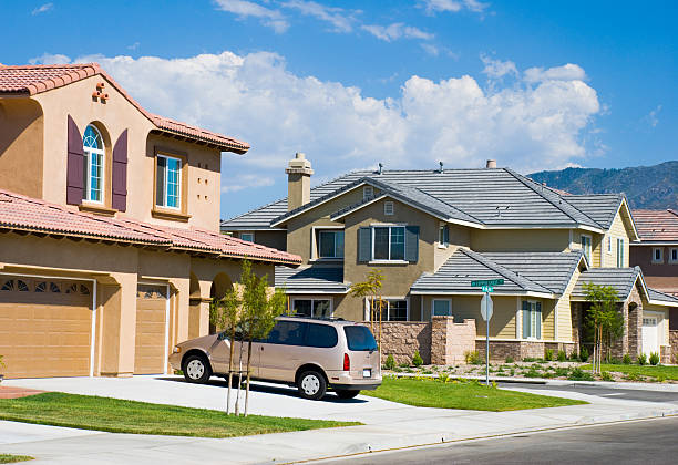 Southern California neighborhood Houses in a Southern California suburb san bernardino california stock pictures, royalty-free photos & images