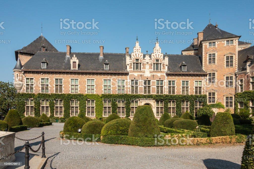 Zuidwest-vleugel van het Kasteel van Gaasbeek, België. foto