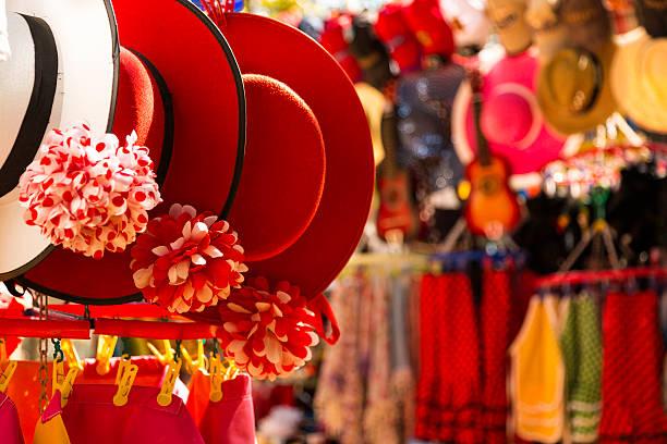 boutique de souvenirs à séville - andalousie photos et images de collection