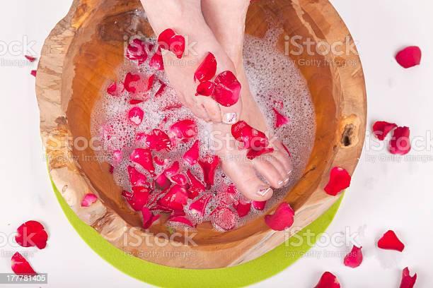 Spa foot treatment picture id177781405?b=1&k=6&m=177781405&s=612x612&h=nfe8cgvgu3nvtwmixlv51ambjgd8viqqnilttufuana=