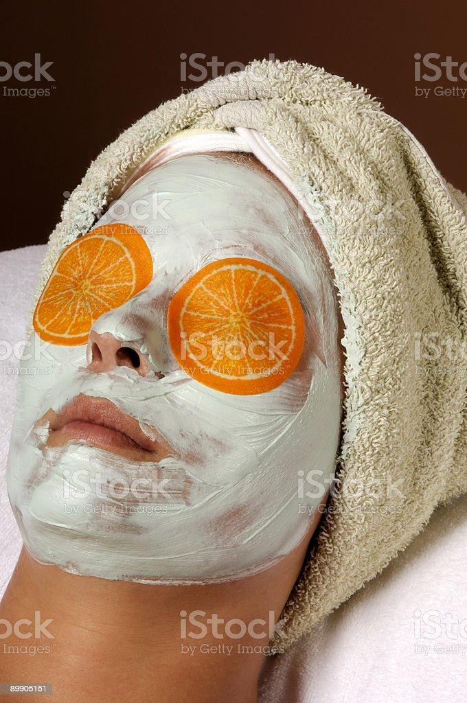 Спа-уход и оранжевые глаза накладки маски Стоковые фото Стоковая фотография