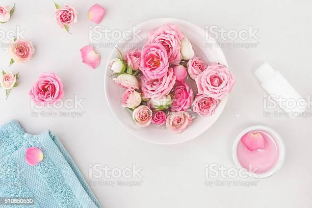 Spa settings with roses picture id510850530?b=1&k=6&m=510850530&s=612x612&h=djdnkysvgwjlt2wxdsdxslqc po xuxyxayux4e h5k=