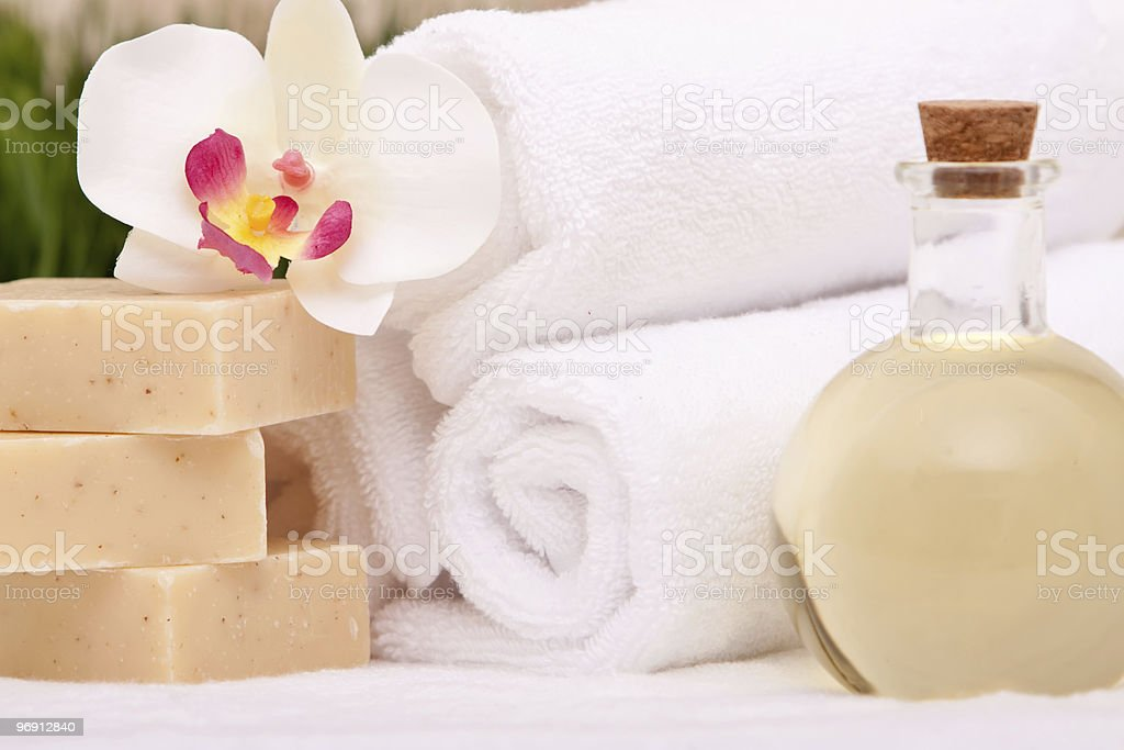 Spa towels and aromatherapy oils royalty-free stock photo