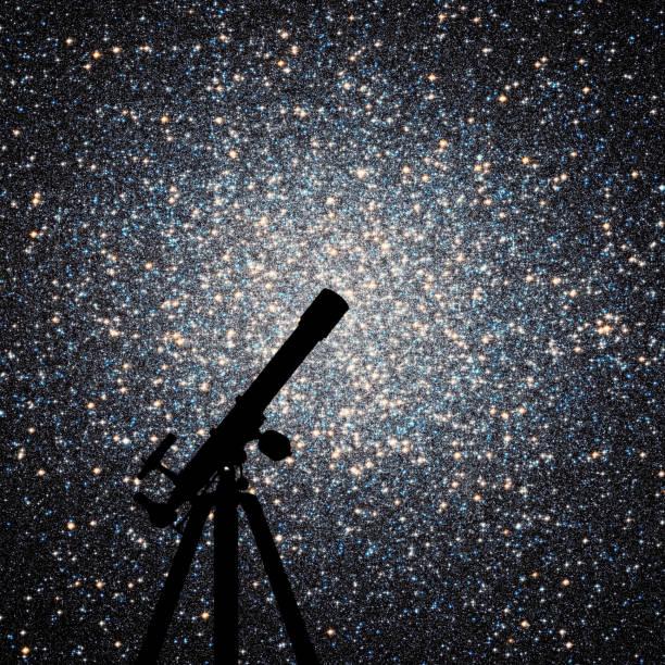 utrymme bakgrund med silhuetten av teleskop. klotformig stjärnhop omega centauri i stjärnbilden kentauren - centaurus bildbanksfoton och bilder