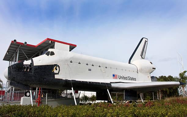 nasa space shuttle in - kennedy space center stock-fotos und bilder