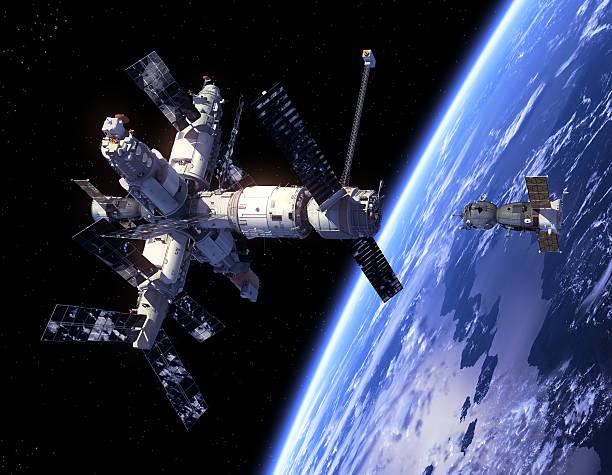 -raumschiffen soyuz und space station - kennedy space center stock-fotos und bilder