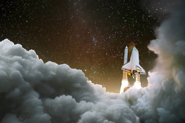 Spacecraft takes off into space. Start of the journey. Space Exploration. Rocket with smoke on the starry sky Spacecraft takes off into space. Start of the journey. Space Exploration. Rocket with smoke on the starry sky rocket stock pictures, royalty-free photos & images