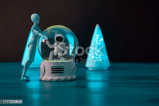 Snowball, triangle lantern, joint doll, table,