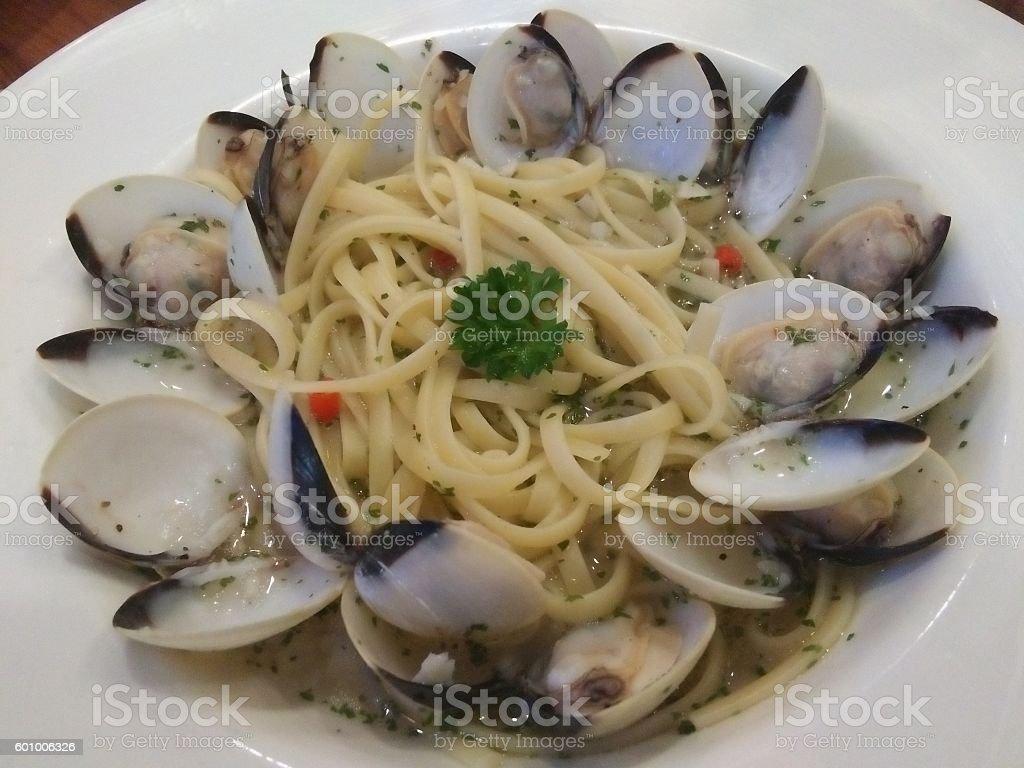 Spaghetti Alle Vongole - Linguine version stock photo