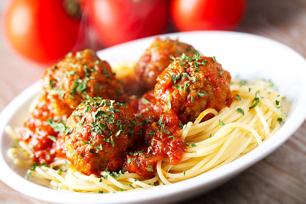 Spaghetti and Meatballs Spaghetti and Meatballs spaghetti stock pictures, royalty-free photos & images