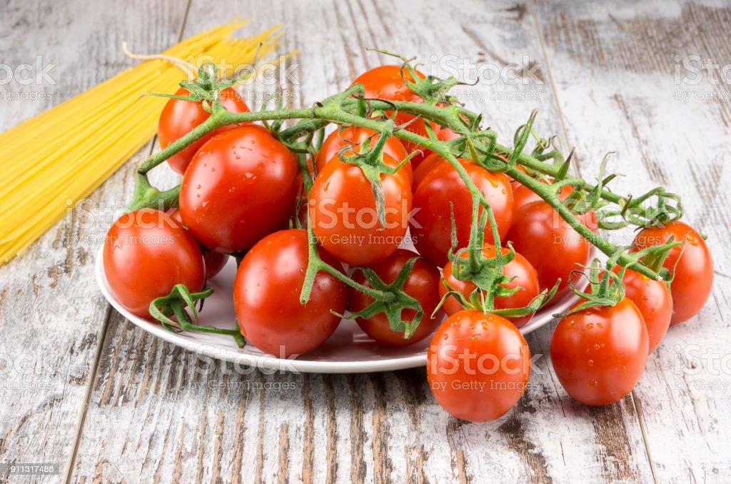 Spaghetti and tomatoes - foto stock