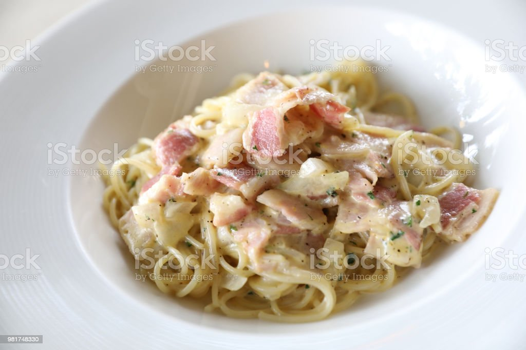 How to cook carbonara white sauce