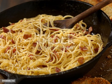 Spaghetti Carbonara with Garlic Bread